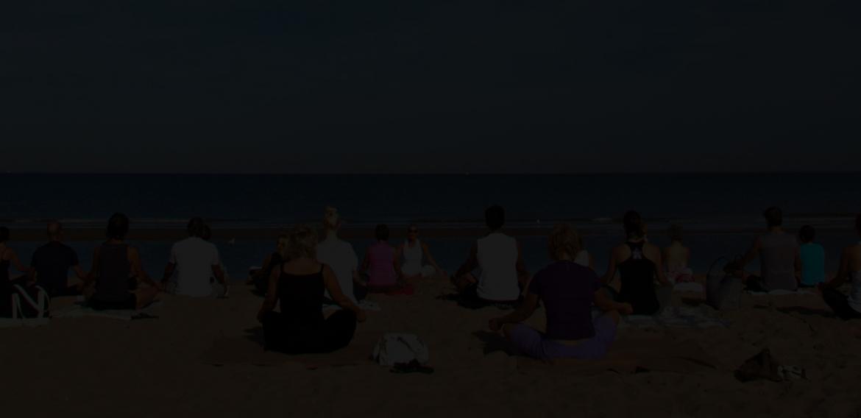 Yoga-Noordwijk-strand.jpg